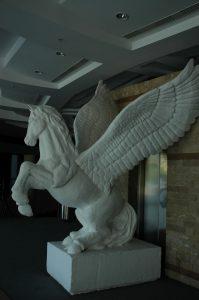strafor-pegasos-heykeli